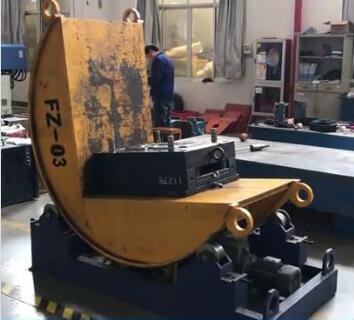 injection mold flipper machine