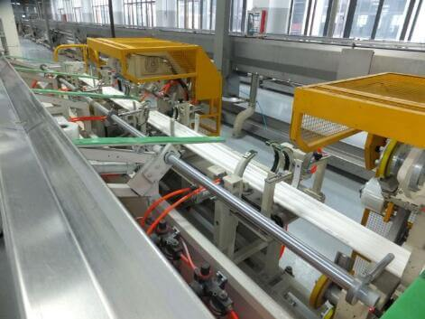 Plastic pipe bundle bagging and packing line